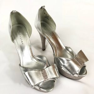 Metaphor silver Glitter Peep Toe Pumps
